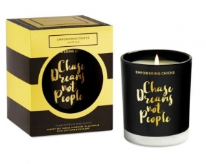 EMPOWERING CHICKS CANDLE PASSIONFRUIT & GUAVA 180G